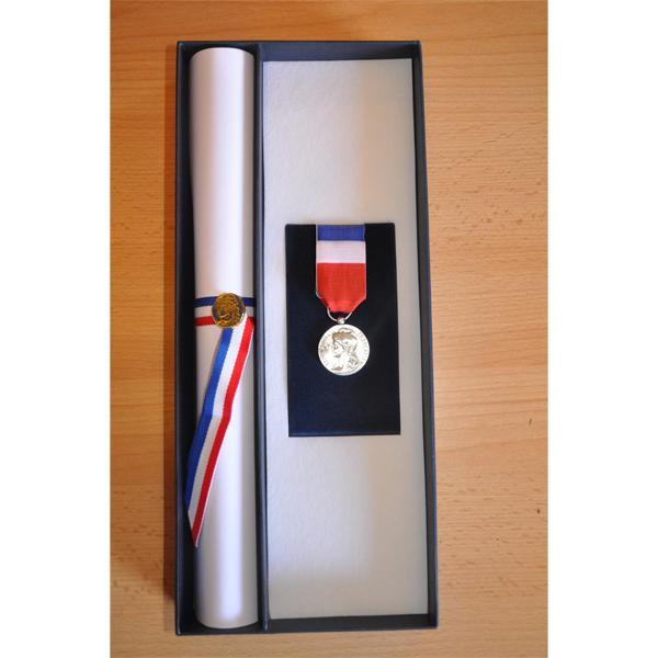 COFFRET pour diplome et medaille