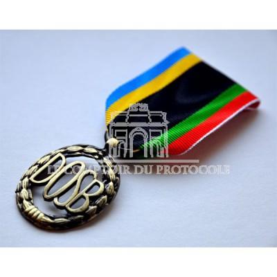 Médaille des Sports Allemands Bronze (DOSB) Ordonnance « Deutscher Olympischer Sportbund »