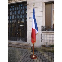 DRAPEAU FRANCE HONORIFIQUE SATIN sans franges avec socle