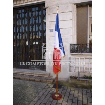 DRAPEAU FRANCE HONORIFIQUE SATIN sans franges avec socle
