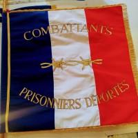 drapeau brodé honorifique 90x90cm