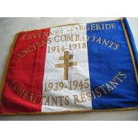 drapeau brodé honorifique 100x120cm