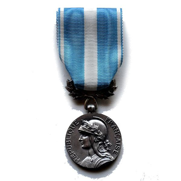 MEDAILLE d'OUTRE MER ex colonial argent