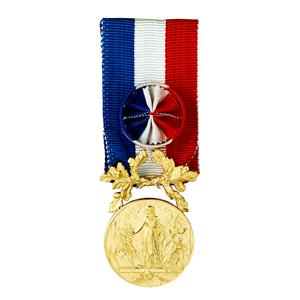 MEDAILLE COURAGE ET DEVOUEMENT or