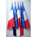 Ecusson avec drapeaux